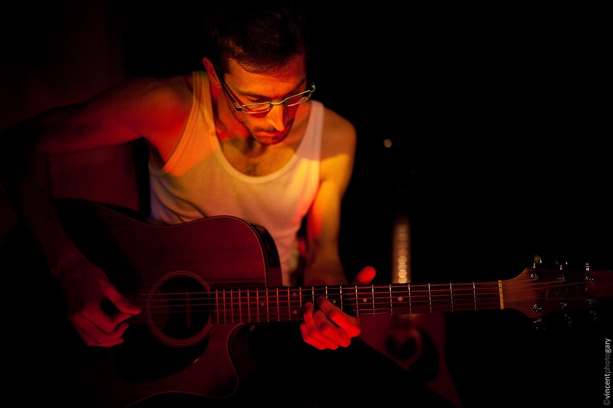 matfab-jamlik-chanteur-picard-guitare